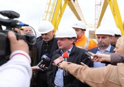 Μετρό-Τραμ: Ο υπουργός δεν γνωρίζει αλλά ο Μώραλης χαίρεται
