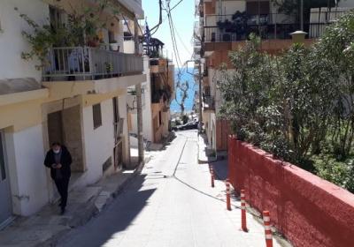 Μια γελοία απόφαση για ένα ωραίο δρομάκι της Καλλίπολης, την οδό Φρύνης.